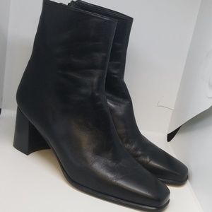 Stuart Weitzman 60691 soft black leather booties